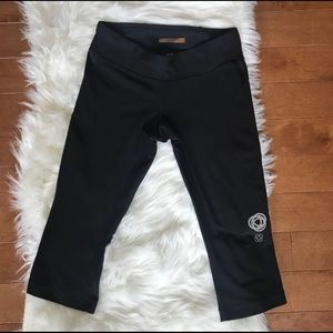 Lucy | Black Cropped Leggings sz XS